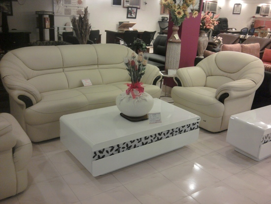 FURNITURE SHOWROOM IN KODERMA