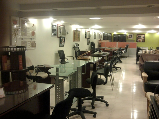BEST FURNITURE SHOWROOM IN KODERMA