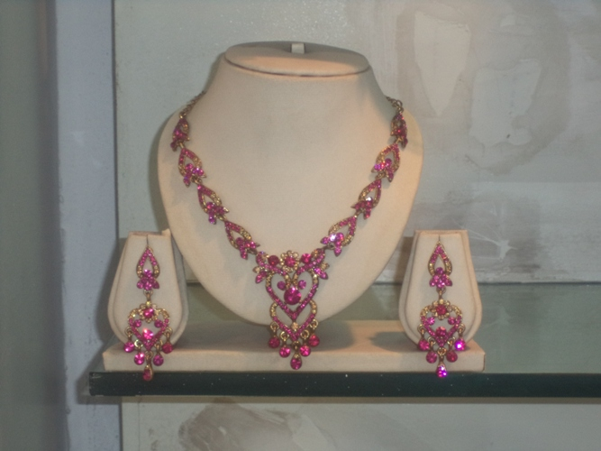 FAMOUS ARTIFICIAL JEWELLERY SHOP IN PATNA