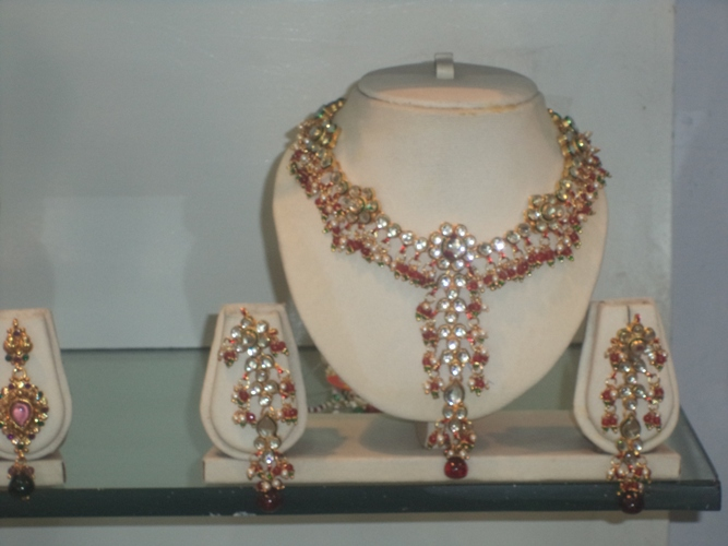 FAMOUS ARTIFICIAL JEWELLER IN PATNA