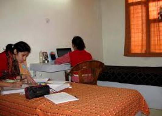 GIRLS HOSTEL IN BORING ROAD,PATNA