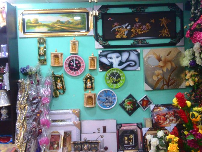 EXCLUSIVE SHOP FOR ALL TYPES OF GIFT & FLOWER IN RANCHI