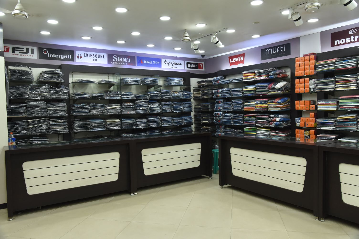 BRANDED CLOTH SHOWROOM IN RAMGARH