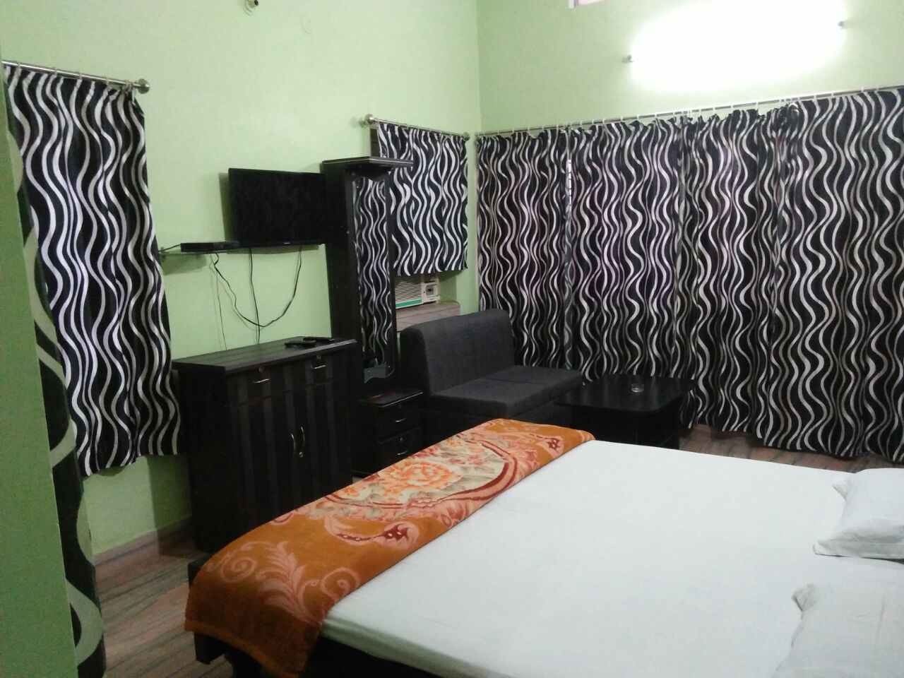 CHEAP & BEST GUEST HOUSE IN PATNA