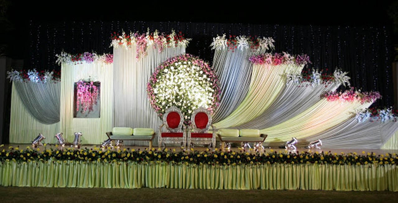 WEDDING STAGE DECORATOR IN BODHGAYA