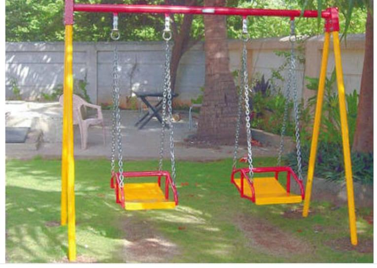 MULTIPLE SWING 2 SEATER IN PATNA
