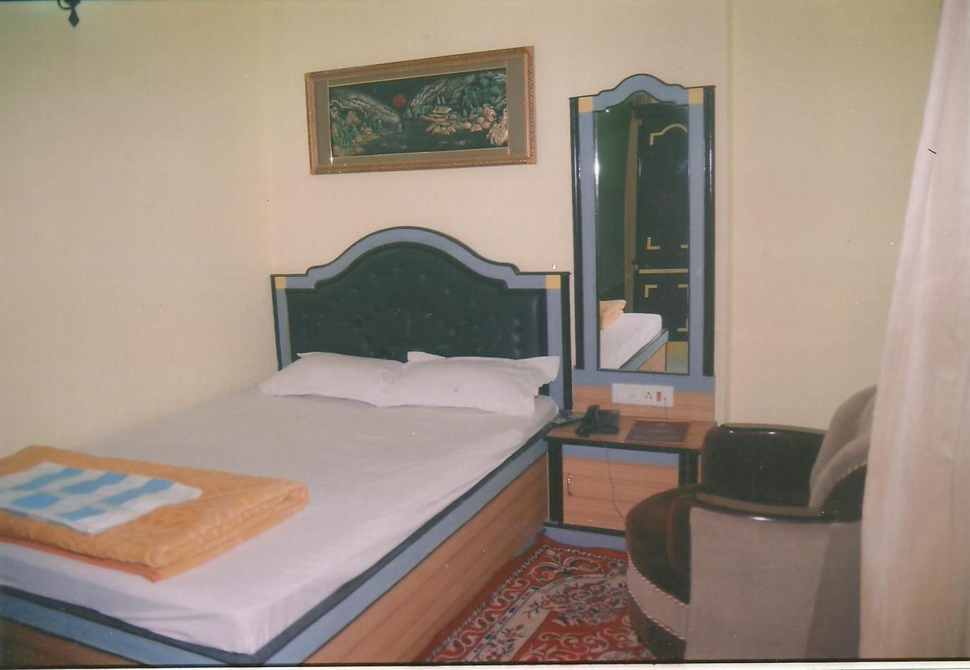 DELUXE HOTEL IN BEGUSARAI
