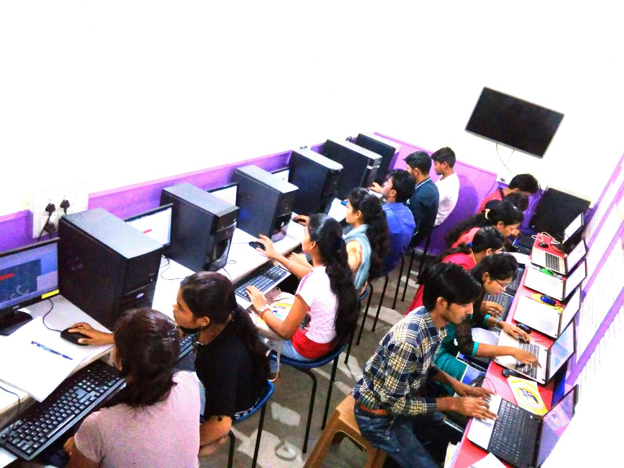 TYPING HINDI TRAINING INSTITUTE IN HAZARIBAGH