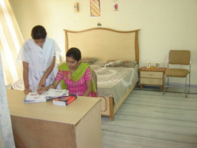 girls hostel with good accommodation in ramgarh